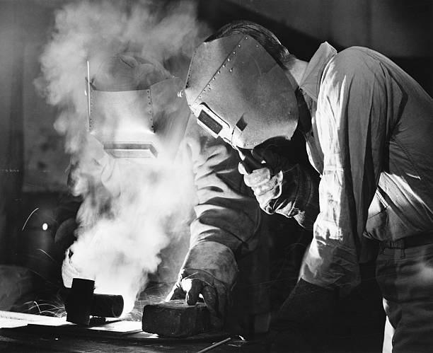 Salgar Group Industrial 1.3, S.L. - Empresa metal·lúrgica de Castellar del Vallés amb més de 30 anys de experiéncia en el Sector Industrial a Catalunya, Espanya, Europa. Especialitzada en la fabricació d'estructures metàl·liques de ferro, acer i ferroaliatges.